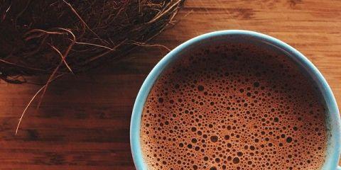 Maak je eigen gezonde chocolademelk